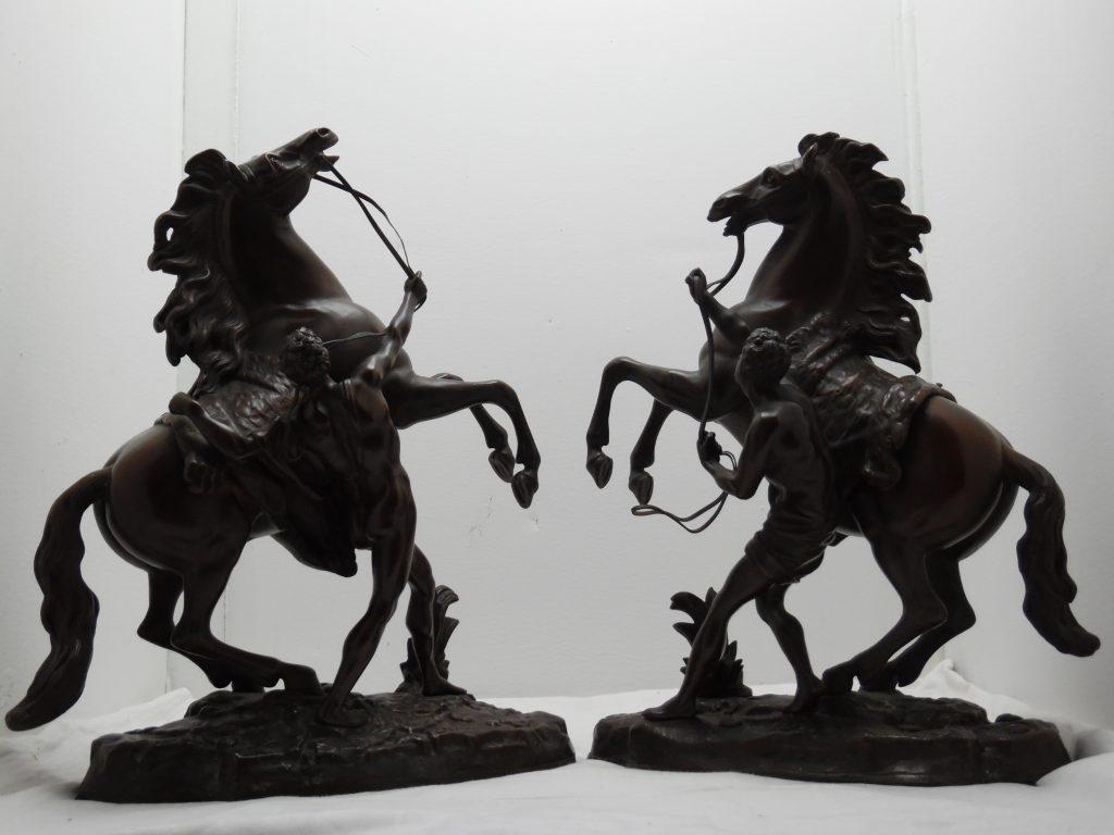 Sehr große 40cm Bronze Pferde, orig. sign. Coustou, Rossbändiger
